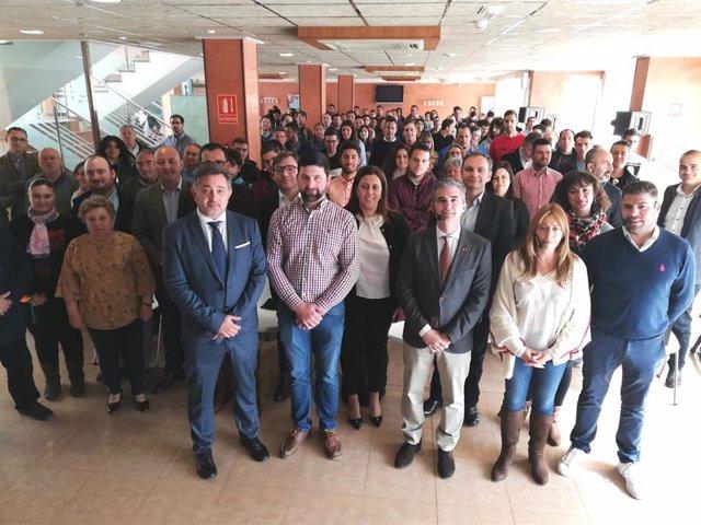 El consejero Miguel Ángel del Amor junto con los asistentes a la Jornada 'Soy jo