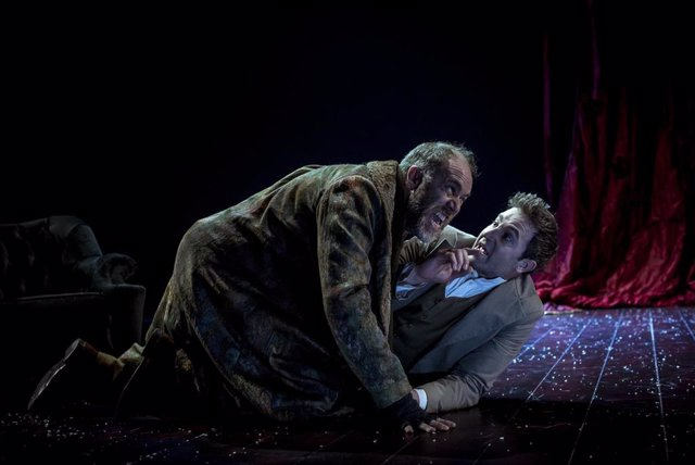 El Teatro María Guerrero estrena 'El idiota' de Dostoievski