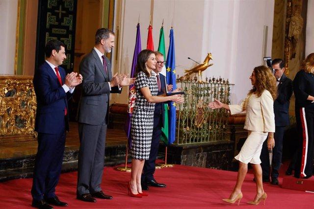 Los Reyes de España, Felipe VI y Letizia Ortiz, presiden la entrega de los Premi