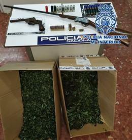 Armas y marihuana intervenida por la Policía
