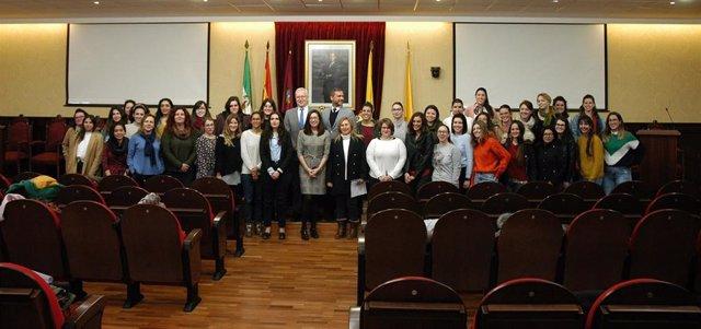 Cerca De 70 Alumnas Y Egresadas De La Uca Participan En El Programa 'Univergem 2