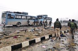 Moren quatre militars indis en un enfrontament amb presumptes terroristes al Caixmir (REUTERS / STRINGER .)