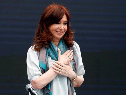 Aplazado el inicio del primer juicio contra Cristina Fernández por problemas de salud de un magistrado