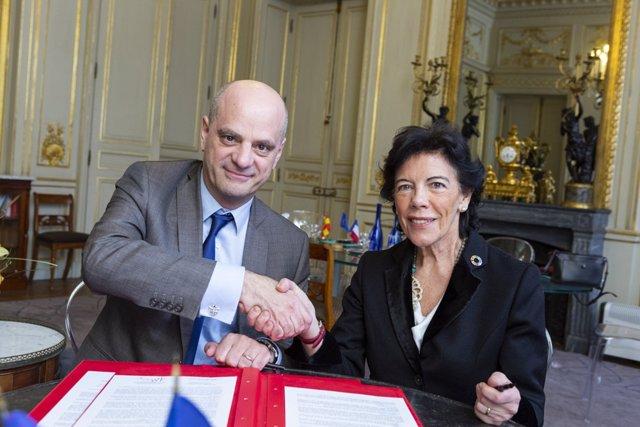 La ministra Isabel Celaá y su homólogo francés Jean-Michel Blanquer en París