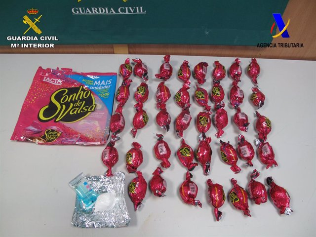 Detenida con cocaína oculta en bolsas de bombones en el Aeropuerto de Barcelona