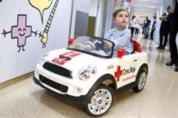 El nou 'Rayo MacRuti' substitueix els llits d'hospital i porta els infants de Can Ruti fins a quiròfan (ACN)