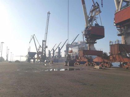 Fallece un trabajador de la Sociedad de Estiba tras caerse de una grúa en el Puerto de Bilbao