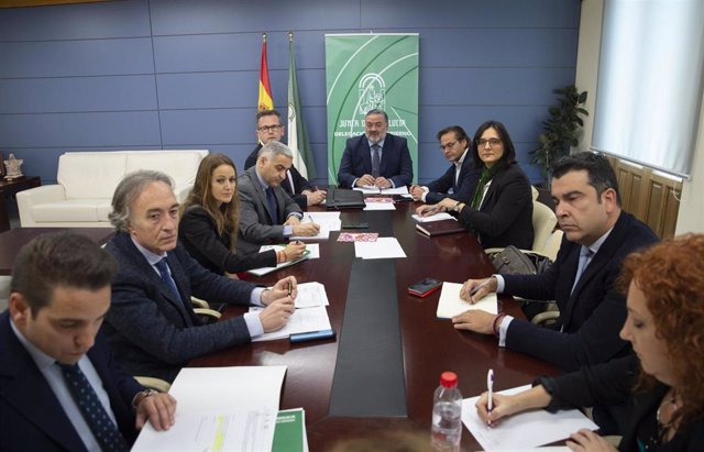 Primera reunión del equipo de delegados de la Junta en Granada