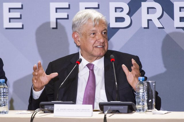 Obrador visits Mexican Business Council in Mexico City