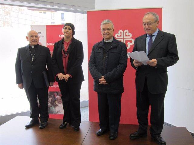 Inauguración en Zaragoza de la exposición de Cáritas 'Encontrar para encontrarno