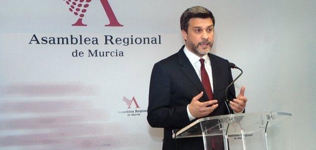 El portavoz del Grupo Parlamentario Socialista Joaquín López Pagán