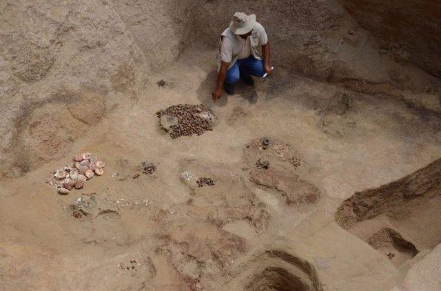 Hallan una cámara funeraria inca con restos de 9 personas que pudieron ser sacri