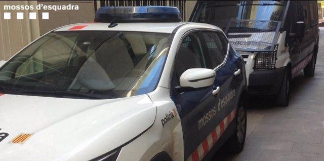Cotxe de Mossos en l'operació contra el trfic de droga a Lleida