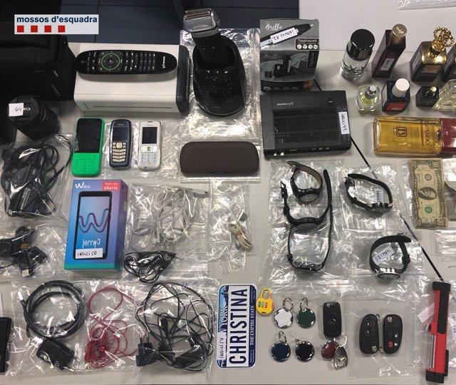 Material trobat a casa d'un presumpte lladre d'11 domicilis del Moians
