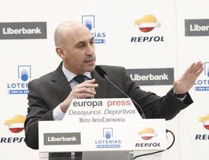 Rubiales anuncia que la Supercopa d'Espanya la disputaran quatre clubs en una 'Final Four' fora d'Espanya (Eduardo Parra - Europa Press)