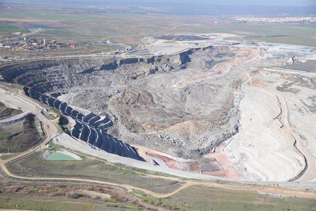 Imagen aérea de la mina de Cobre Las Cruces tras un corrimiento de tierra