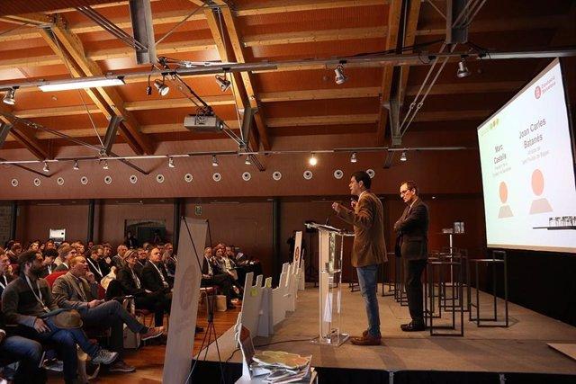 El presidente de la Diputación de Barcelona, Marc Castells, y el alcalde de Sant