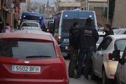 ACTUALIZACIÓ:Registres a Banyoles, Girona, Cornellà del Terri i Roses en el marc del dispositiu antidroga dels Mossos (ACN)