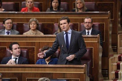 """Casado denuncia el """"daño a España"""" del Gobierno """"bonito"""" del PSOE y Sánchez le afea una """"lengua larga de insulto"""""""