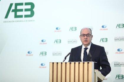 Roldán (AEB) afirma que la banca necesita recuperar su reputación para sobrevivir