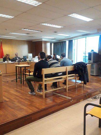 Condenan a 44 años de cárcel a la 'Manada de Villalba' por agresión sexual a una joven