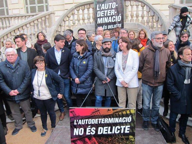 Representants d'entitats i partits sobiranistes que donen suport a la mobilitzac