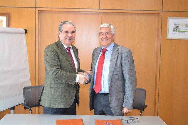 El Consejo General de Farmacéuticos ha firmado un convenio con la Fundación ILI
