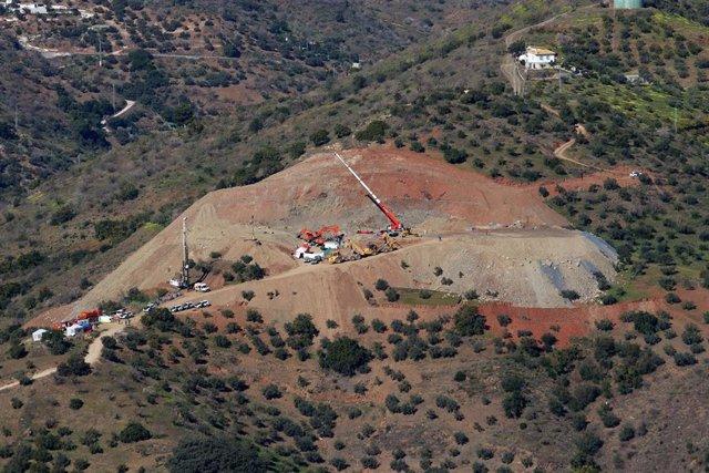 Operativo de rescate en el pozo de Totalán en una imagen de archivo