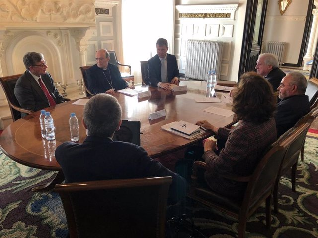 Alfredo Pérez (I), Fidel Harráez y Javier Lacalle (D) en la reunión