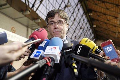 """Puigdemont acusa al Rey de confundir """"la ley con la democracia"""""""