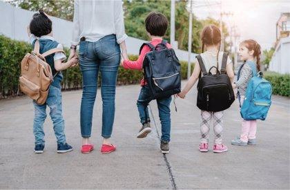 La educación obligatoria se rebaja a los 3 años en Francia