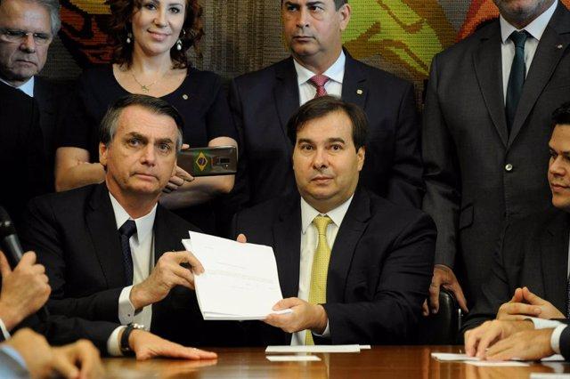 Bolsonaro entrega al Congreso su propuesta para reformar las pensiones