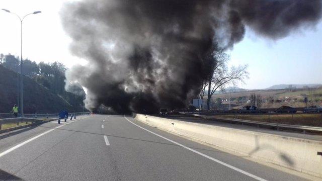 Los CDR cortan 15 tramos de carreteras catalanas a las 10 horas por la huelga