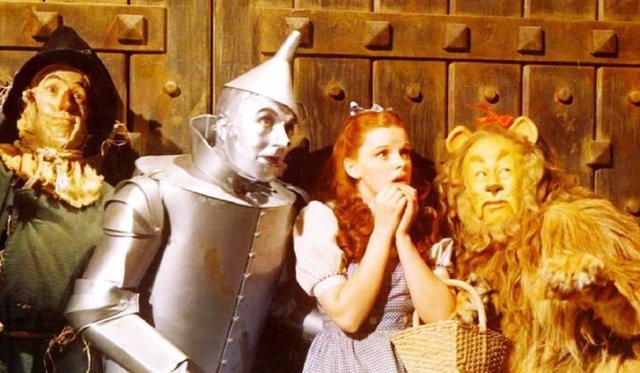 Judy Garland, Rey Bloger, Jack Haley y Bert Lahr en El Mago de Oz