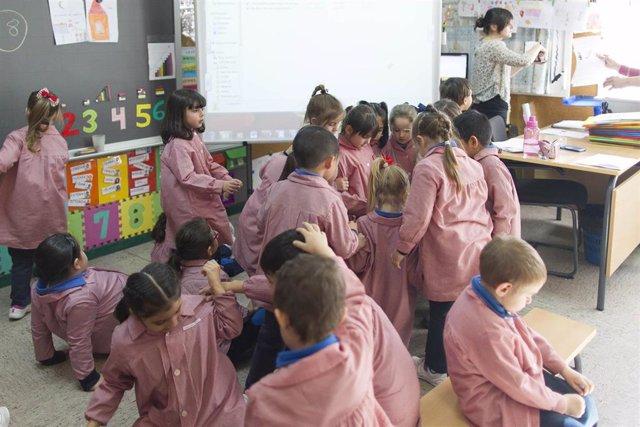 Colegio, aula, primaria, infantil, clase, niño, niña, niños, profesor, profesora