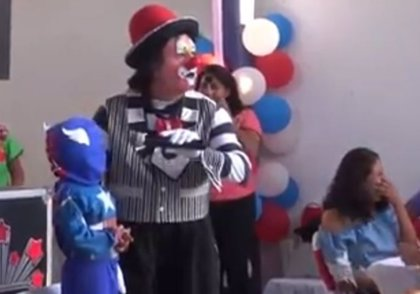 La viral respuesta de un niño mexicano a la pregunta de un payaso que animaba su fiesta de cumpleaños