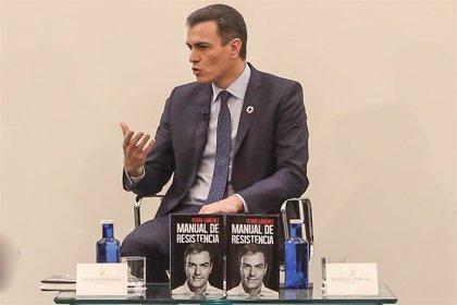 Pedro Sánchez anuncia que donará a los 'sin techo' los ingresos por su libro 'Manual de Resistencia'
