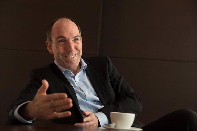 Fridman pide a accionistas de Dia su voto en contra al plan de recapitalización