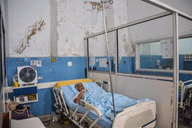 Una paciente en un hospital en Vargas
