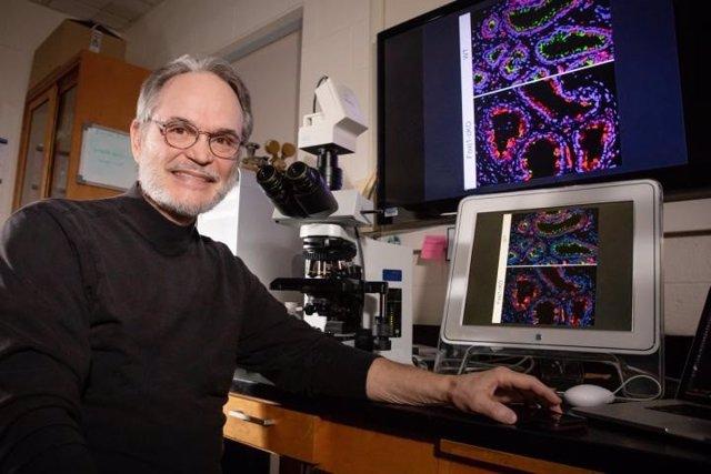 Investigador Rex Hess, Universidad de Illinois