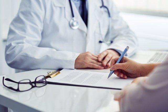 Claves sobre el consentimiento informado, ¿siempre debe el paciente firmarlo?