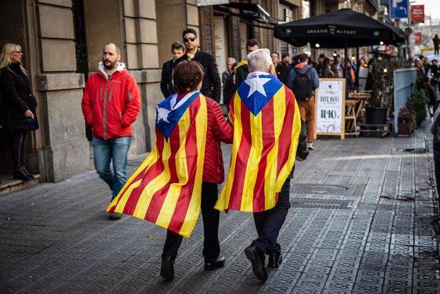 Manifestación estudiantil en Barcelona con motivo de la huelga general en Catalu
