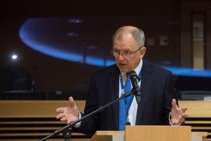 """El comisario de Salud asegura que Europa tiene """"plan A, B y C"""" contra un desabastecimiento de fármacos por el 'Brexit'"""