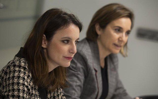 A l'esquerra, Andrea Levy