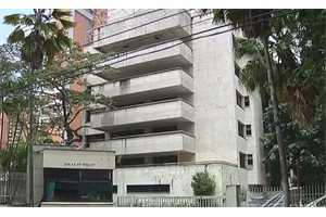 Derriban el edificio Mónaco, símbolo del narco y de Pablo Escobar