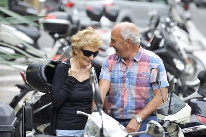 Hacer ejercicio diario y descansos breves durante el día ayuda a controlar la presión arterial en mujeres mayores