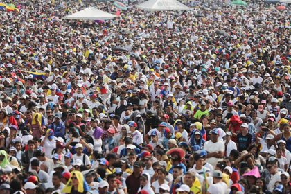 Al menos 150.000 personas acuden al 'Venezuela Aid Live', según sus organizadores