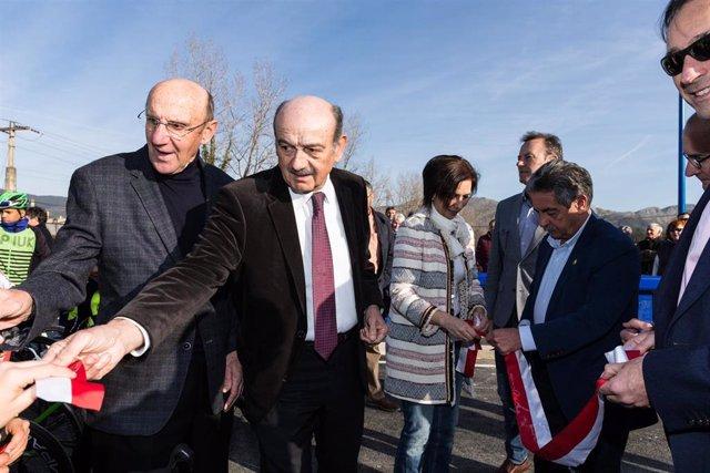 Inauguración del puente de Ranero en Los Corrales