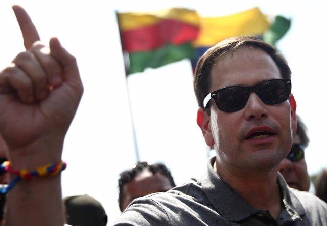 El senador estadounidense Marco Rubio en la frontera entre Colombia y Venezuela