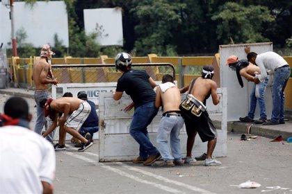 El Gobierno colombiano cifra en 285 los heridos por los enfrentamientos en la frontera con Venezuela